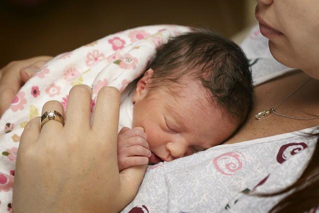 Chăm sóc trẻ sinh non và một loạt những điều cha mẹ cần chú ý đến
