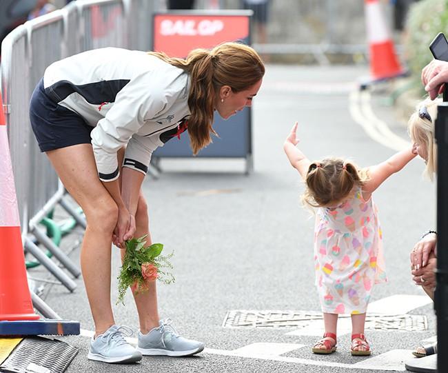 Có gì trong cách dạy con của Kate Middleton khiến Nữ diễn viên nổi tiếng người Mỹ từng đoạt giải Oscars phải học theo?