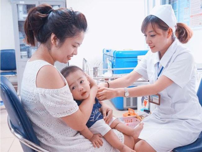 Lịch tiêm phòng cho trẻ sơ sinh năm 2019 và những thay đổi các mẹ bỉm sữa nên biết và tham khảo
