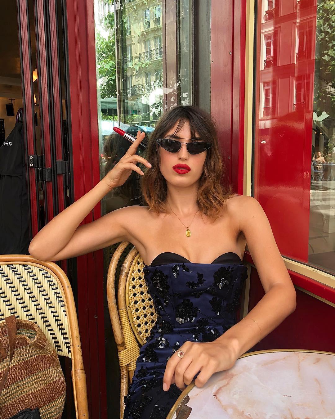 Phụ nữ Pháp được coi là cả một bầu trời nhan sắc và khí chất thanh lịch, phần nhiều cũng nhờ 8 bí kíp sau