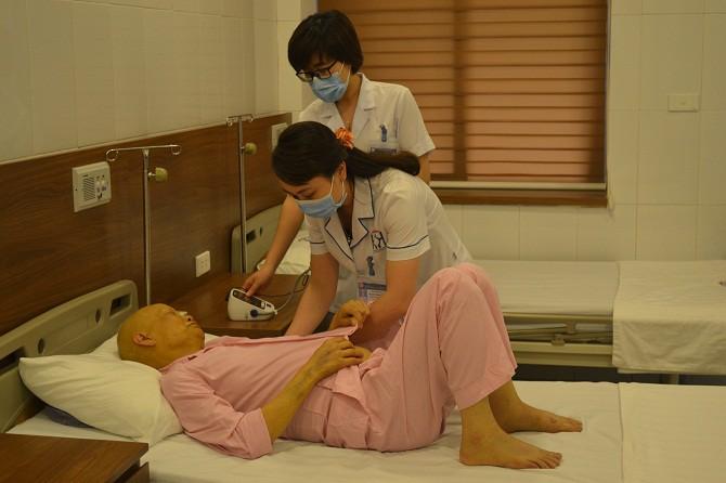 Ăn thực dưỡng Ohsawa, nhịn ăn để điều trị ung thư: Bệnh không thuyên giảm chỉ thấy cơ thể gầy mòn suy kiệt trầm trọng