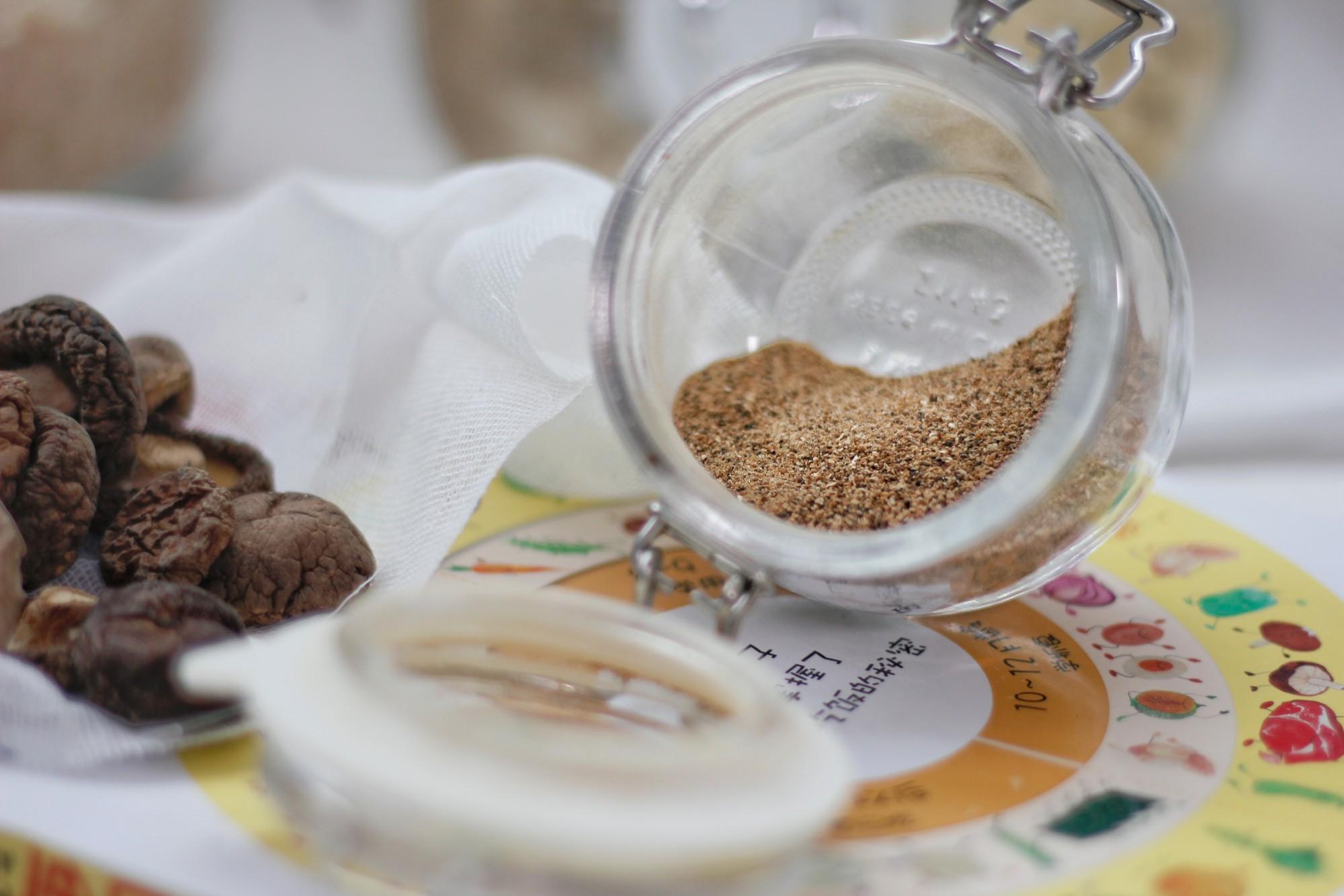 2 công thức làm bột nêm cực chuẩn mẹ phải làm ngay cho bé ăn
