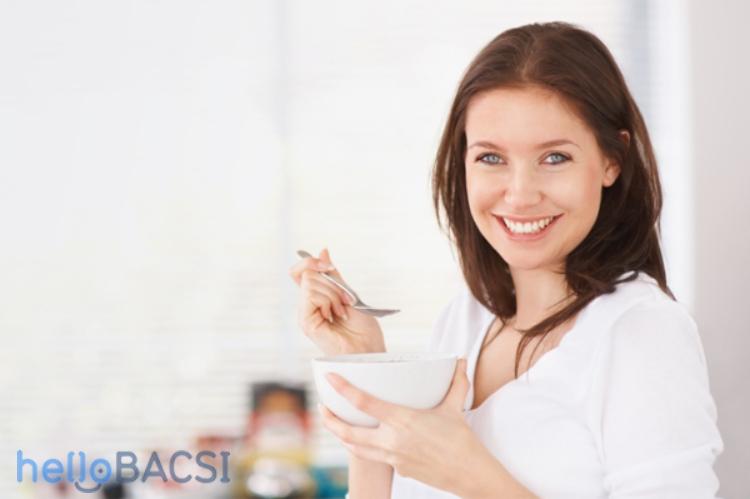 12 thực phẩm cần tránh nếu bạn bị tiêu chảy khi mang thai