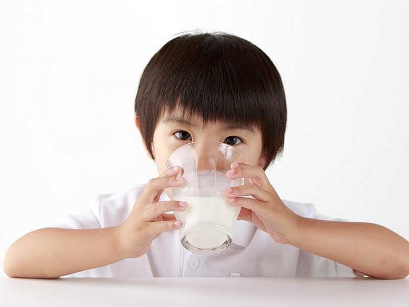 Uống quá nhiều sữa vẫn thiếu máu, thiếu sắt