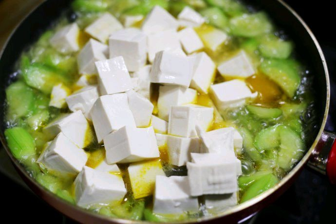 Canh mướp mà nấu với nguyên liệu này thì vừa giúp đẹp da lại ngon bổ, ăn mãi không chán!