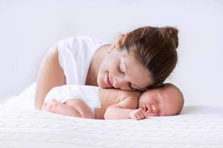 Tiêm phòng cho bé 2019: Mẹ nên chọn vắc-xin ComBE five, Pentaxim, Infanrix hexa hay Hexaxim?
