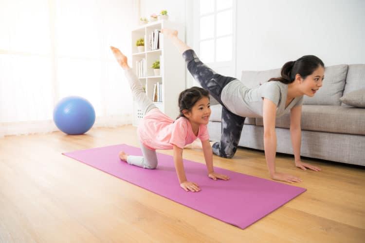 Phong cách sống của ba mẹ ảnh hưởng đến sức khỏe của bạn thế nào?