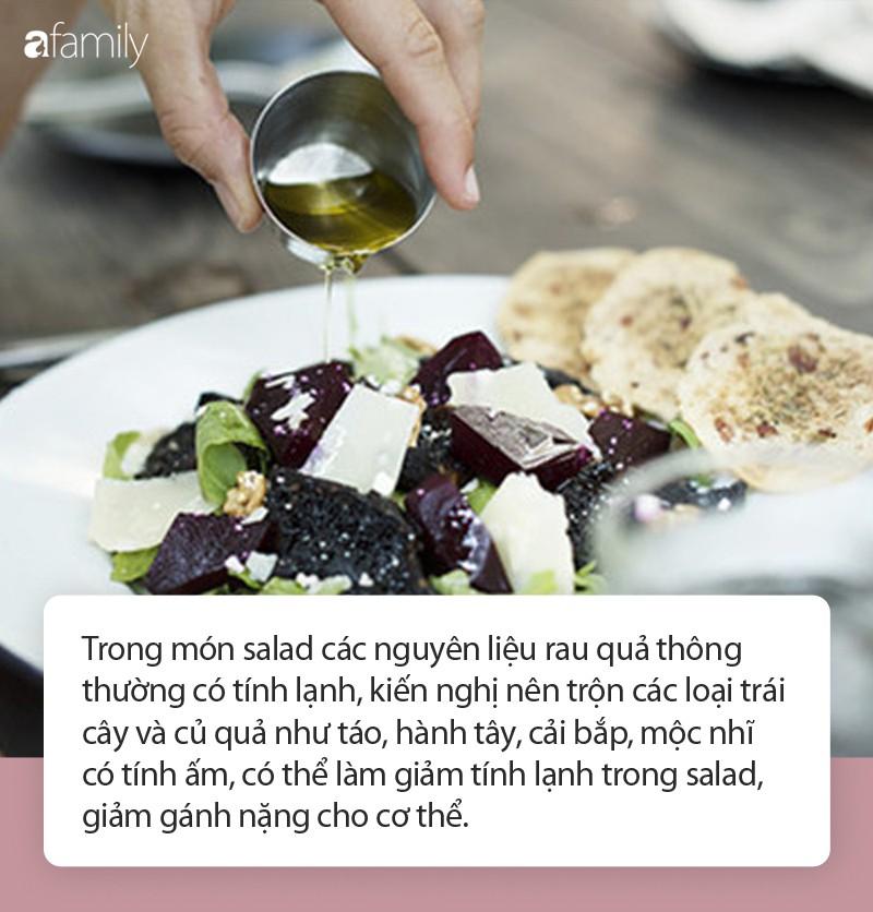 Nữ diễn viên giảm cân bằng cách ăn salad, kết quả 30 ngày không thể đi đại tiện