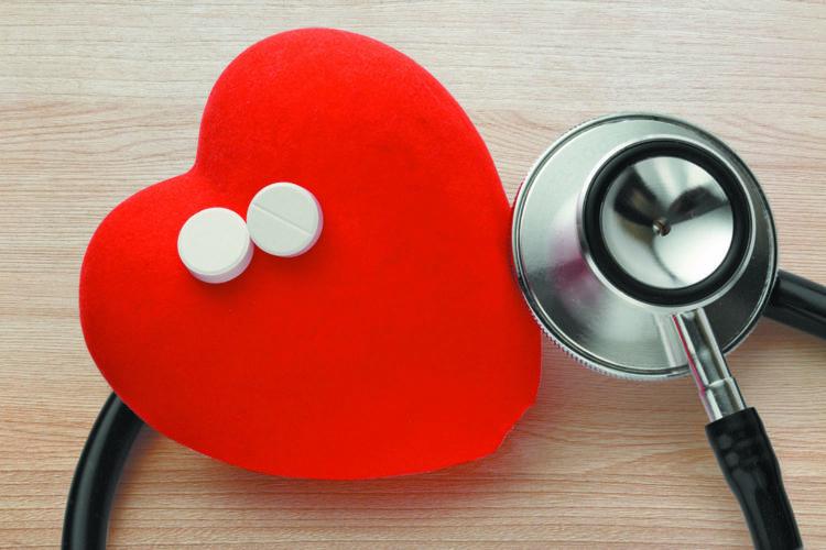 Người lớn tuổi có nên uống aspirin liều thấp để phòng bệnh?