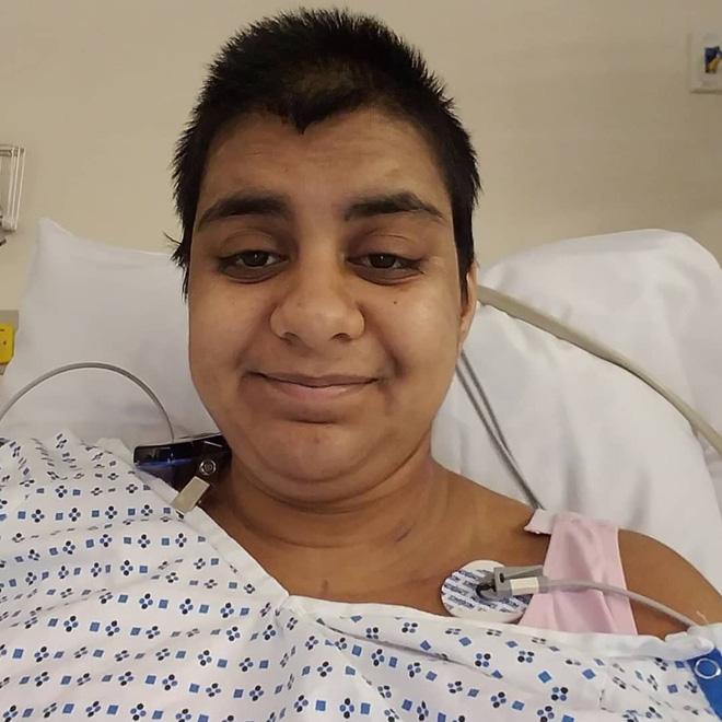 Cô gái 23 tuổi phát hiện mình mắc ung thư vú sau khi bạn trai chạm tay vào vòng 1 thấy điều bất thường