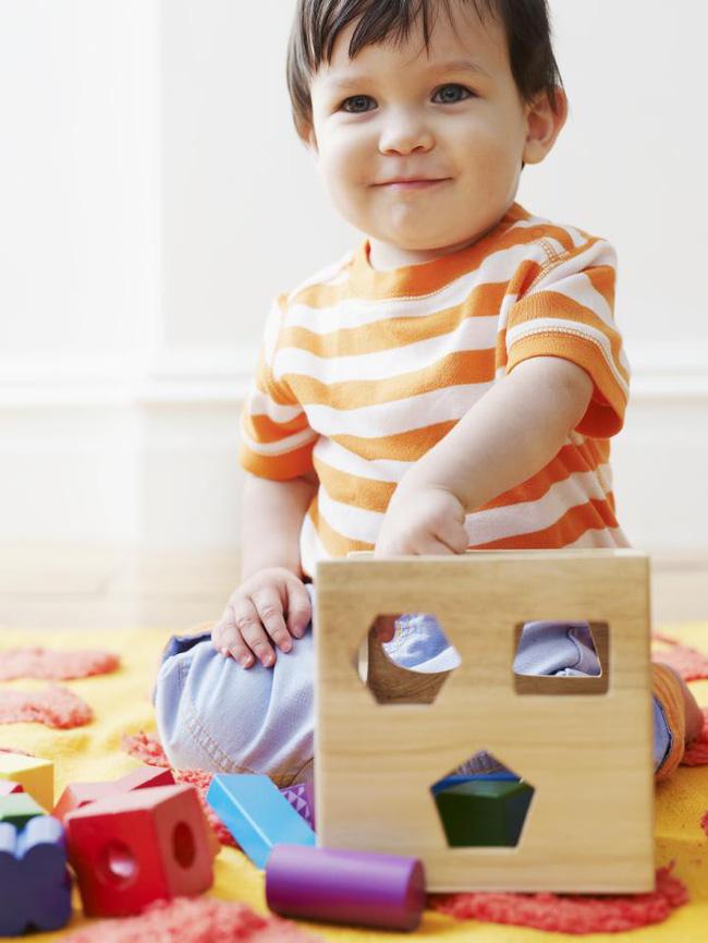 Những đồ chơi kích thích phát triển não bộ dành cho trẻ 2 tuổi mà cha mẹ nhất định không thể bỏ qua