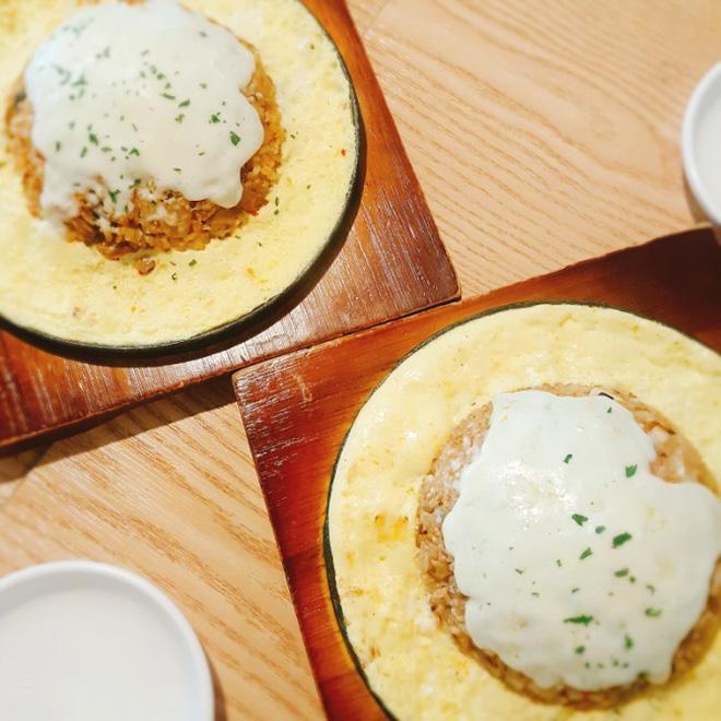 Một nhà hàng ở Hàn Quốc sẽ cho bạn ăn uống miễn phí nếu bạn thoả mãn 10 điều kiện 'lạ đời' sau đây