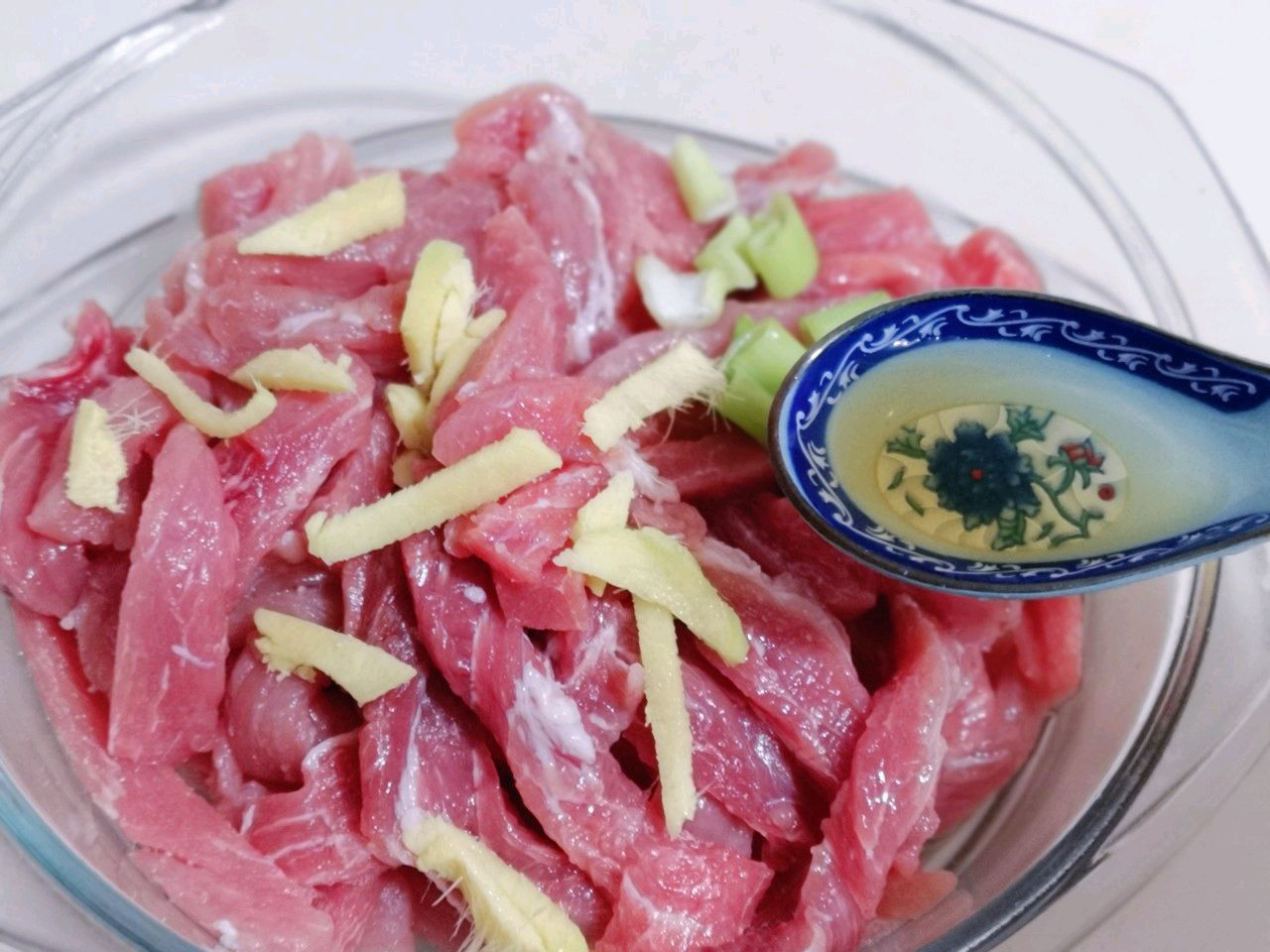 Thịt chiên quá đơn giản nhưng thêm chút nước xốt này thì lên ngay đẳng cấp nhà hàng