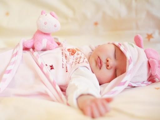 Thư 'Về nhà đi con' cho cu Bon nằm gối từ lúc mới sinh, các mẹ đừng dại mà bắt chước vì hậu quả khó lường