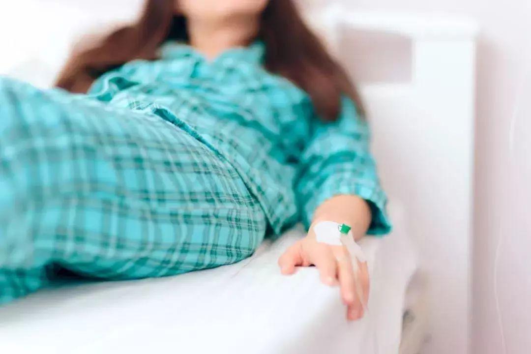 Thường xuyên chảy máu vùng kín sau 'quan hệ', cô gái 21 tuổi chết lặng khi nghe kết luận của bác sĩ