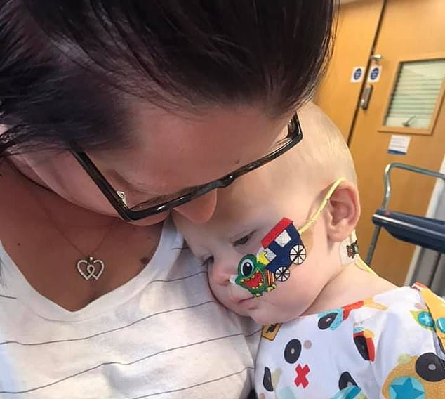 Bé trai 9 tháng tuổi đã bị ung thư tinh hoàn: Cảnh báo của người mẹ mà bất kì ai có con trai cũng không nên bỏ qua