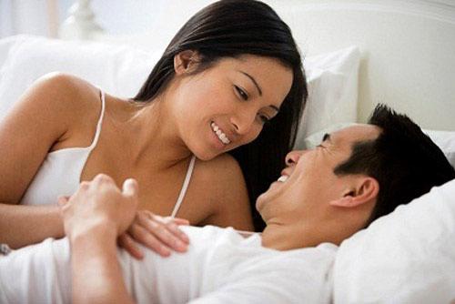 """Làm sao để các ông chồng đến tuổi mãn dục vẫn luôn """"nghiện vợ""""?"""