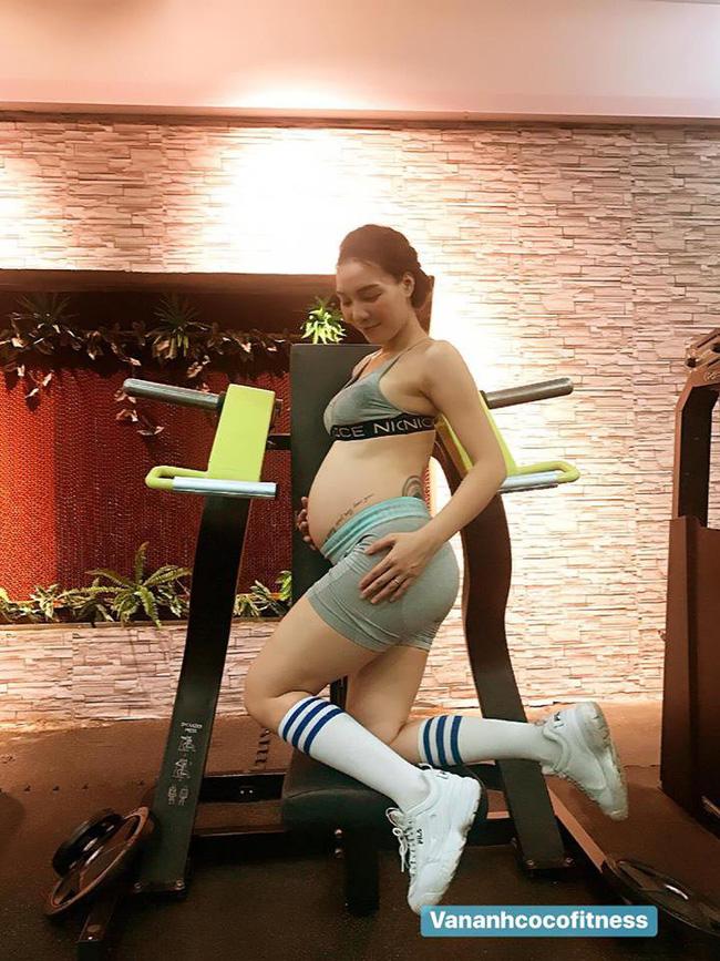 Mới 5 tháng sau sinh mẹ 9x đã lấy lại body đẹp miễn chê lại chuẩn như người mẫu với loạt bí quyết hay ho này