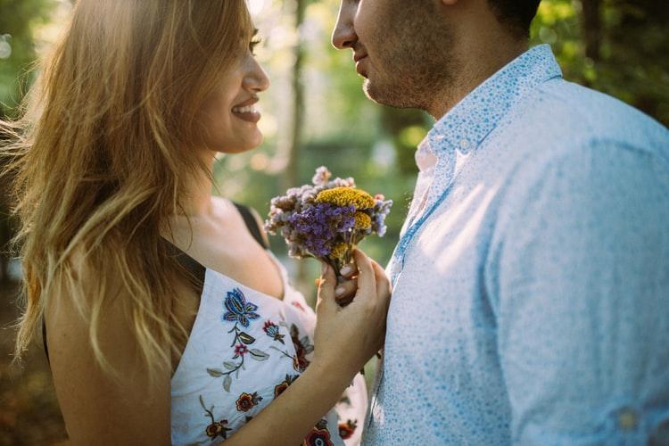 Vì sao 90% phụ nữ không tìm người yêu đẹp trai?