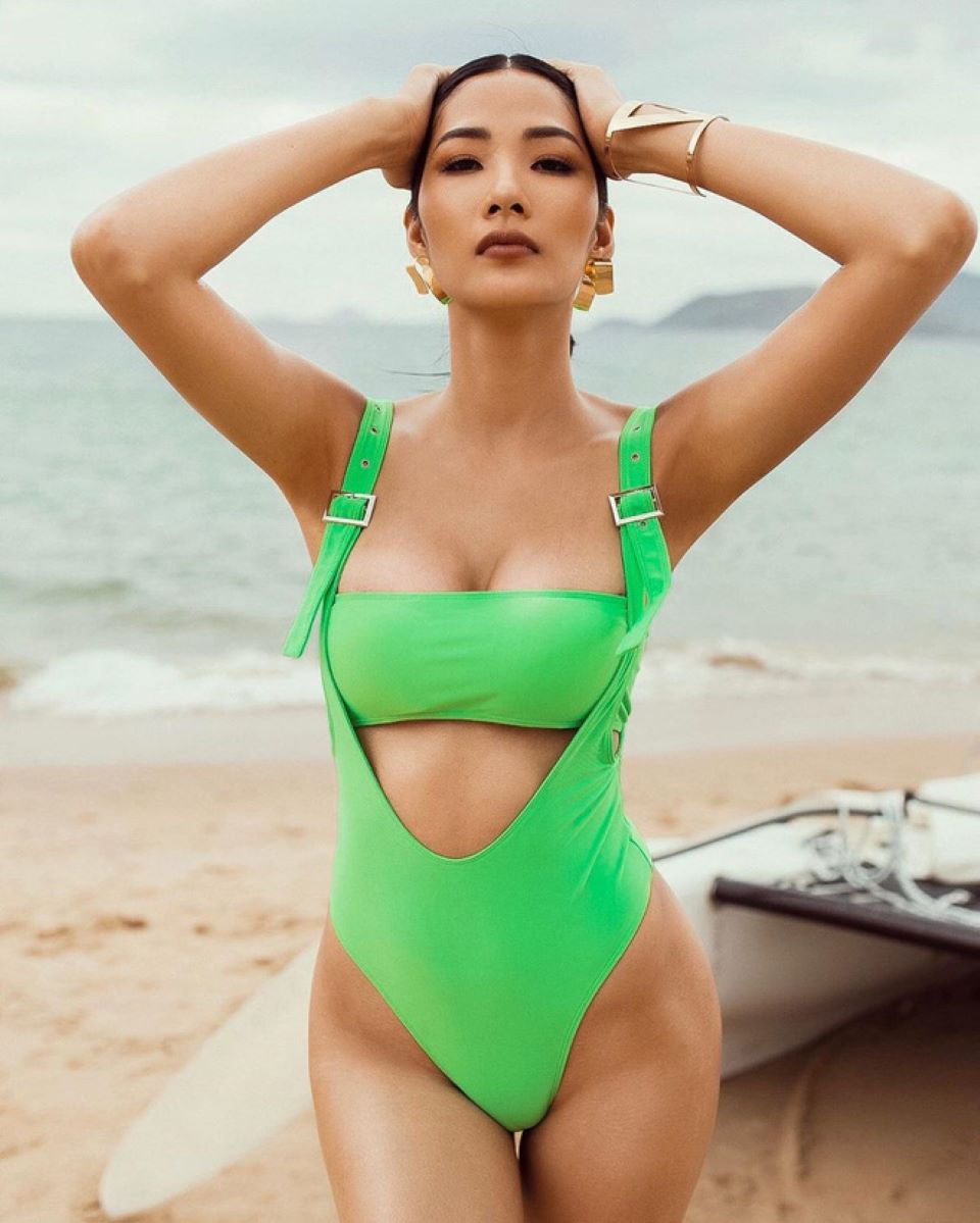Những mẫu bikini hot nhất mùa hè năm nay, cho các nàng tha hồ diện đi biển