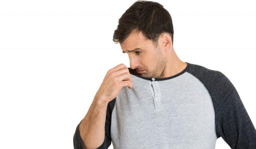 Mẹo giúp khử mùi cơ thể cho nam giới