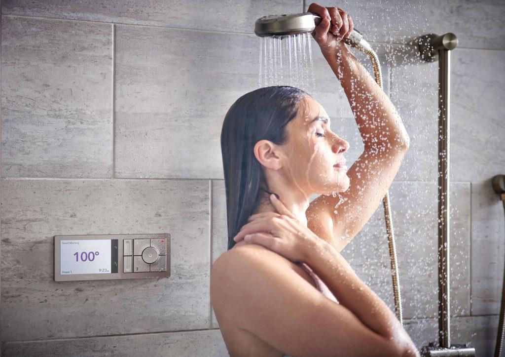 Phụ nữ khi đi tắm có 3 hành động nhất định không được làm, đặc biệt là điều thứ 3 vì có thể khiến bạn mắc bệnh tình dục